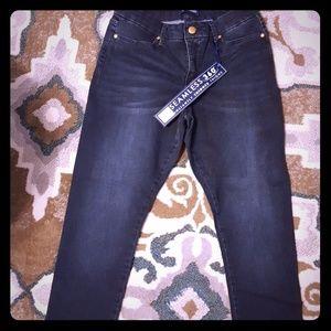 Bandolino Smooth Operator Crop Jeans